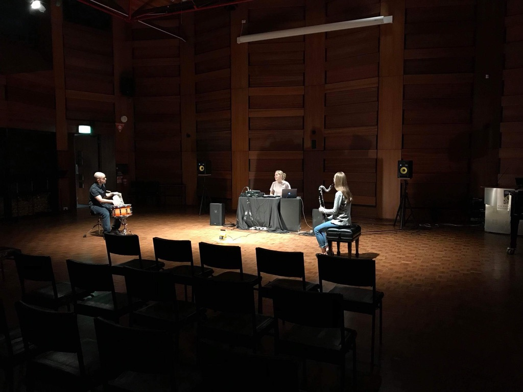 Kate Milligan rehearsing with Ben Greene and Eljo Agenbach