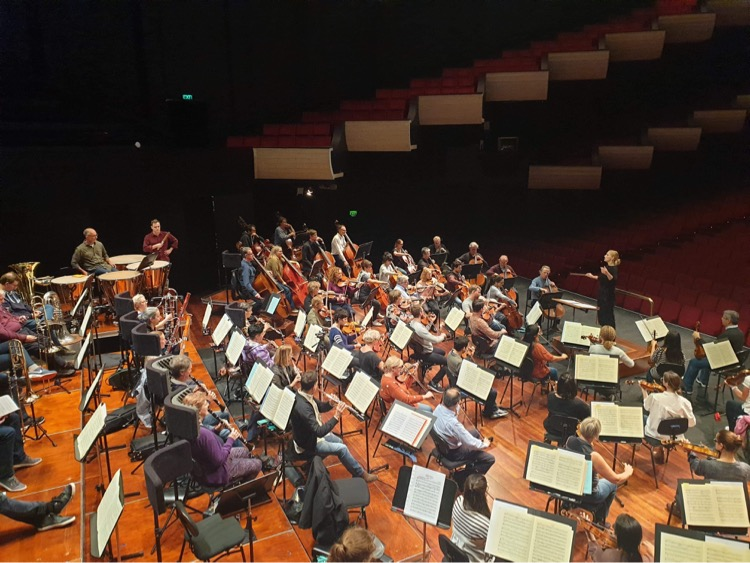 Kate Milligan in a masterclass with the West Australian Symphony Orchestra